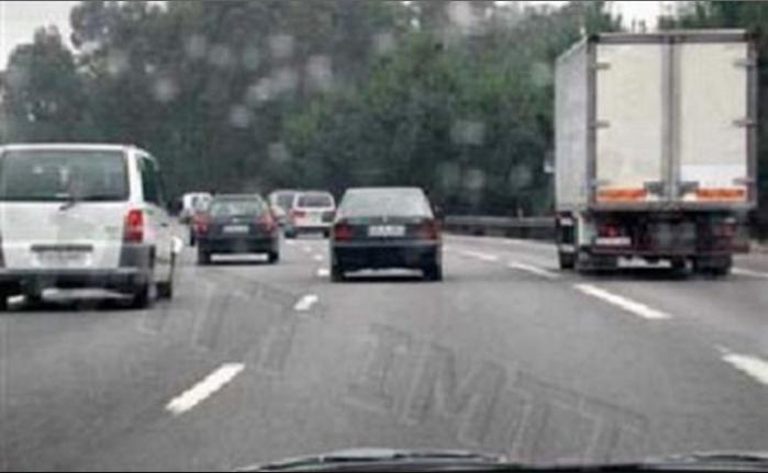 A falha humana constitui o principal fator na ocorrência de acidentes de viação.