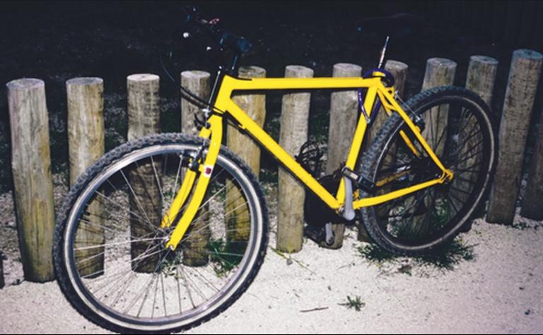 O condutor de um velocípede deve ser portador de: