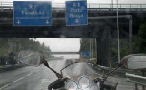 Na condução com chuva e bastante frio, devo preferir a utilização de: